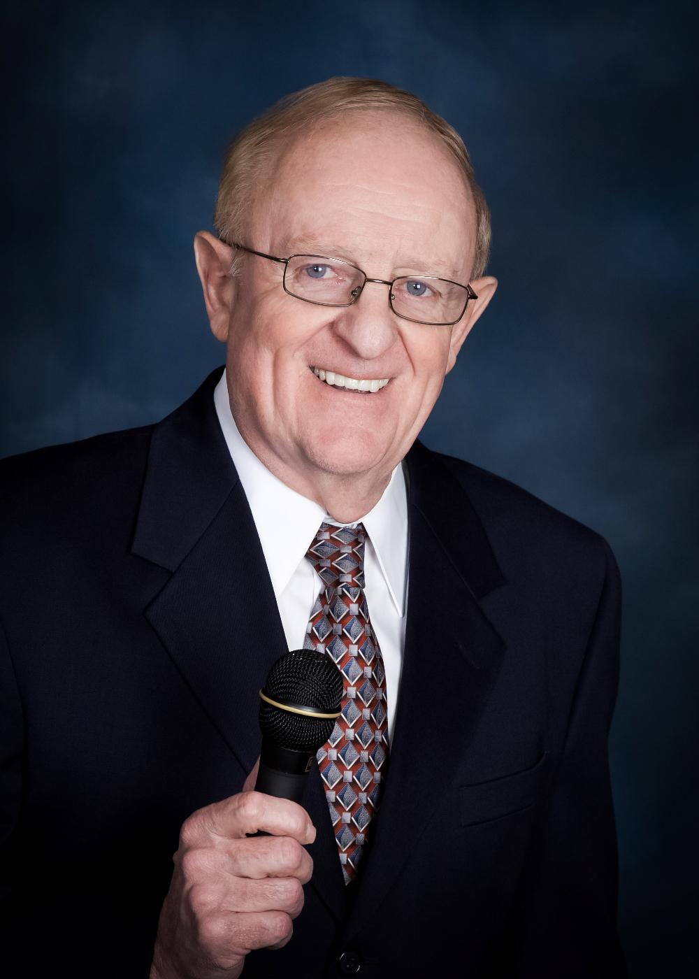 Denny Smith color portrait